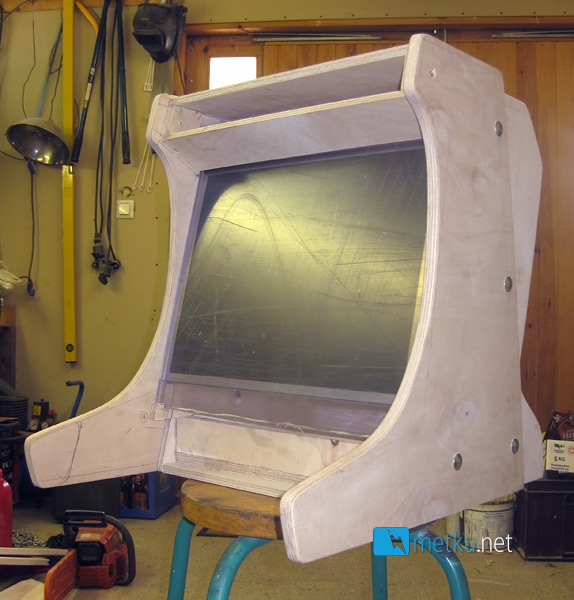 Project:: Arcade - Tutorial on how to build a desktop arcade cabinet
