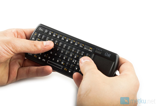 Chill Innovation KB-1BT Bluetooth Micro Keyboard - Small keyboard/touchpad combo with Bluetooth connection