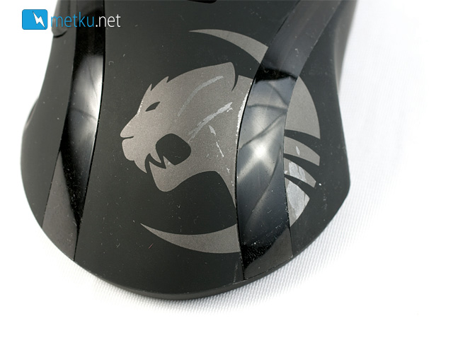 ROCCAT Kone+ - A large Gaming Mouse